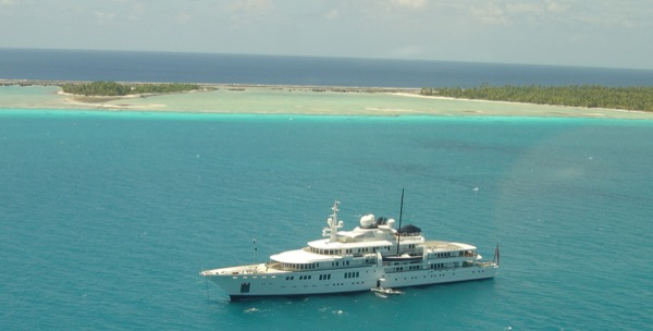 Tatoosh at Anchor Rangiroa