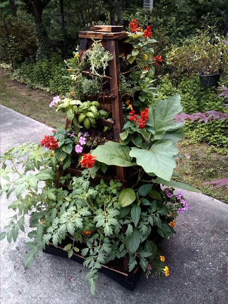 Earth Tower Vertical Garden