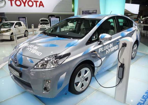 Toyota Prius Plug-In Is Safe From High Gas Prices